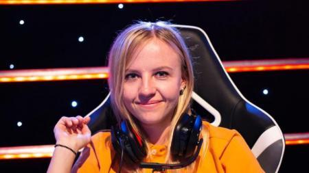 Ksenia Klyuenkova ternyata memiliki kehebatan dalam bermain Counter-Strike: Global Offensive (CS:GO). Tak hanya itu, dirinya juga memiliki wajah yang catik - INDOSPORT