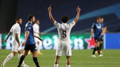 Indosport - Marquinhos sukses membawa PSG hentikan kutukan seperempat abad di Liga Champions