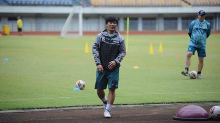 Pelatih fisik Persib Bandung, Yaya Sunarya. - INDOSPORT