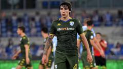 Indosport - AC Milan memiliki kesempatan besar mendatangkan Sandro Tonali karena pemain Chelsea, N'Golo Kante.
