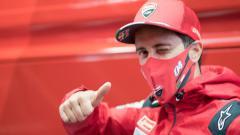Indosport - Pembalap MotoGP dari tim Ducati, Andrea Dovizioso merasa tersinggung dengan pernyataan CEO Ducati, Claudio Domenicali, saat memuji Fransesco Bagnaia.