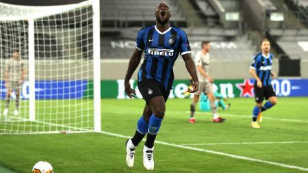 Gagal jadi juara bersama Inter Milan usai dibekap Sevilla di final Liga Europa, Romelu Lukaku akhirnya dinobatkan sebagai pemain terbaik di kompetisi tersebut. - INDOSPORT