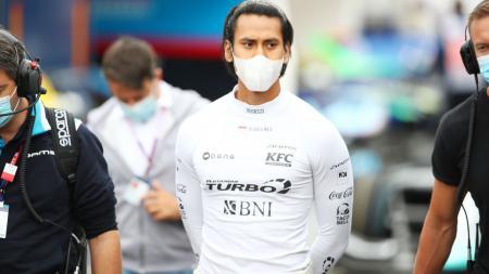 Pembalap Indonesia, Sean Gelael berpeluang turun di tiga kejuaraan balap lainnya setelah memutuskan untuk pensiun dari ajang Formula 2 (F2). - INDOSPORT