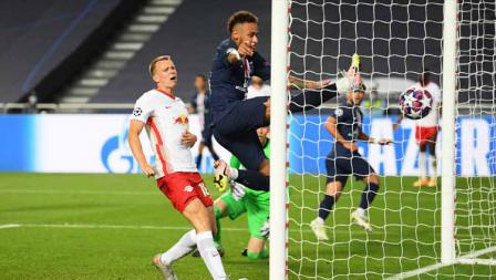 Aksi Neymar membuahkan gol ke gawang RB Leipzig di laga semi final Liga Champions 19/08/2020 dini Hari.