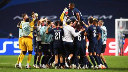Selebrasi para Tim dan pemain Paris Saint-Germain merayakan kemenangan di laga semi final Liga Champions 19/08/2020.