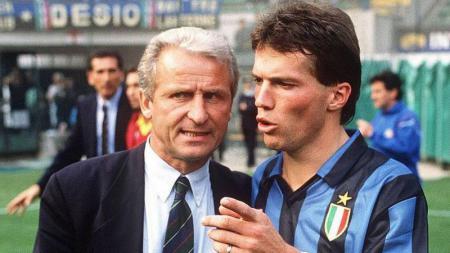 Giovanni Trapattoni bersama dengan Lotar Matthaus saat membesut Inter Milan di laga Serie A Italia. - INDOSPORT