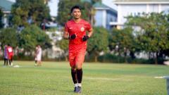 Indosport - Sandi Sute (Persija Jakarta) saat menjalani latihan perdana.