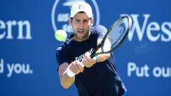 Indosport - Novak Djokovic berlatih jelang Southern & Western Terbuka 2020 di Billie Jean King National Tennis Center.