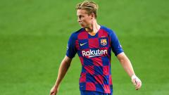 Indosport - Di tengah krisis keuangan, raksasa LaLiga Spanyol, Barcelona, malah menolak tawaran 80 juta euro (Rp1,3 triliun) untuk gelandang mudanya, Frenkie de Jong.