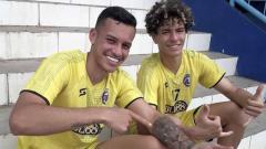 Indosport - Arema FC merekrut dua pemain muda asal Brasil untuk proyeksi jangka panjang.