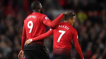 Alexis Sanchez mendapat simpati dari mantan pemain Chelsea, yakni Tony Cascarino. Hal ini setelah dirinya memberikan sindiran kepada Manchester United. - INDOSPORT