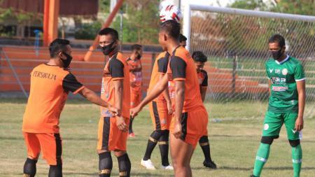 Klub promosi Liga 1 2020, Persiraja Banda Aceh, akhirnya menggelar latihan perdana mereka pasca libur pandemi corona atau Covid-19. - INDOSPORT