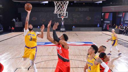 Berikut rekap hasil playoff NBA hari ini, Senin (07/09/20) WIB. Milwaukee Bucks selamat dari eliminasi dan LA Lakers tebus kekalahan atas Houston Rockets. - INDOSPORT