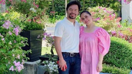 Petinju Manny Pacquiao memamerkan foto pernikahannya dengan Jinkee Pacquiao di akun Instagram pribadinya. Penampilan The Pac-Man pun bikin pangling - INDOSPORT