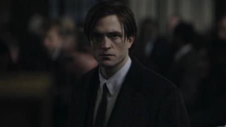 Robert Pattinson harus menepi sejenak dari proses syuting film The Batman setelah dirinya dinyatakan positif virus corona. - INDOSPORT