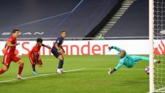 Indosport - Pemain Bayern Munchen, Kingsley Coman, mencetak gol ke jala PSG di final Liga Champions, Senin (24/08/20) dini hari WIB.