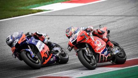Di MotoGP 2020 kali ini, ada beberapa kecelakaan yang membuat sejumlah pembalap tak bisa melanjutkan race yang disebabkan adanya benda asing. - INDOSPORT