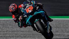 Indosport - Pembalap Petronas Yamaha, Fabio Quartararo, berhasil menjadi yang tercepat pada sesi latihan bebas MotoGP Emilia Romagna 2020 di Sirkuit Misano, Jumat (18/09/20