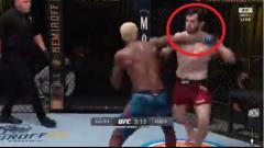 Indosport - Petarung UFC asal Rusia, Timur Valiev, terlihat kesal dan 'mengamuk' setelah dirinya dibuat KO dengan mudah oleh Trevin Jones di laga debutnya.