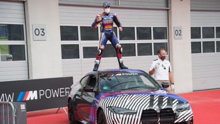 Miguel Oliveira mendapatkan mobil mewah BMW M4 usai juara di MotoGP Styria. - INDOSPORT