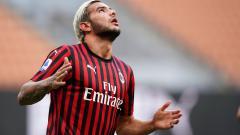 Indosport - Bek kiri AC Milan, Theo Hernandez memberikan sindiran karena dirinya tidak dipanggil oleh Didier Deschamps ke Timnas Prancis.