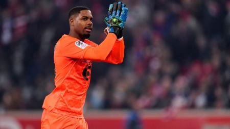 Usai raih kesepakatan dengan kiper Lille, Mike Maignan, AC Milan memburu dua nama lagi dari klub itu yakni winger Jonathan Ikone dan pelatih Christophe Galtier. - INDOSPORT