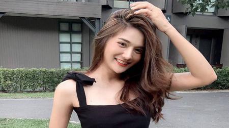Pelari imut dan seksi asal Thailand, Bomes Kaweeya memang dikenal oleh publik sebagai wanita yang layaknya bidadari karena kecantikan wajah yang ia miliki. - INDOSPORT
