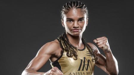 Promotor MMA ternama di Asia, ONE Championship, resmi mendatangkan Anissa Meksen selaku kickboxer wanita terbaik di dunia dan juara dunia Muay Thai. - INDOSPORT