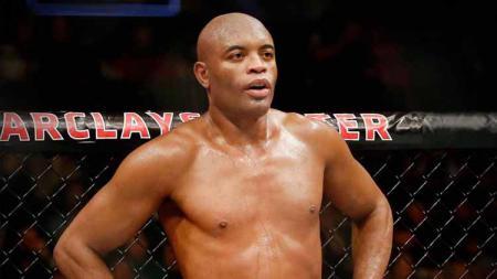 Anderson Silva harus menanggung malu usai provokasinya pada Chris Weidman di laga UFC 162 berujung kekalahan memalukan. - INDOSPORT