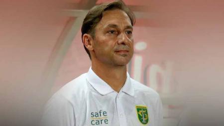 Nama Wolfgang Pikal tentu tidak asing bagi pecinta sepak bola Indonesia. Dirinya melekat menjadi bagian Timnas Indonesia ketika dilatih oleh Alfred Riedl. - INDOSPORT