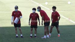 Skuat Timnas U-19 menjalani latihan dan dipimpin oleh Shin Tae-yong.