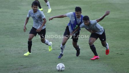 Para pemain Timnas Indonesia U-19 berlatih untuk mempersiapkan diri tampil di Piala Asia U-19 2020.