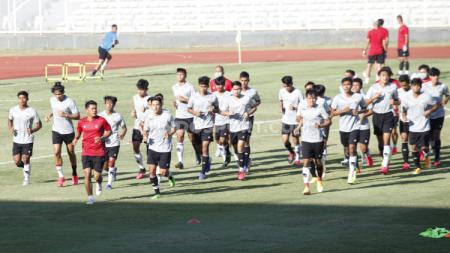 Latihan terakhir Timnas U-19 di Stadion Madya, Senayan, Jakarta sebelum berangkat ke Kroasia. - INDOSPORT