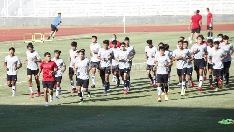Skuat Timnas U-19 Latihan dan Dipimpin Shin Tae-yong Copyright: Herry Ibrahim/INDOSPORT