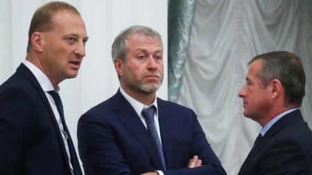 Roman Abramovich bakal berikan dana fantastis yang buat Thomas Tuchel belanja lima pemain anyar untuk Chelsea di bursa transfer. - INDOSPORT