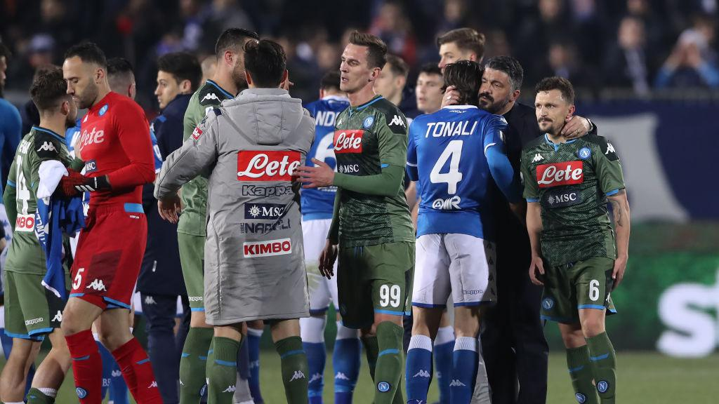 Sandro Tonali dipeluk erat oleh Gennaro Gattuso Copyright: Jonathan Moscrop/Getty Images