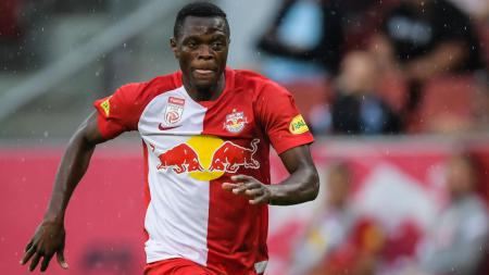 Raksasa Liga Inggris, Liverpool, berencana mendatangkan salah satu striker ganas Bundesliga Austria penerus Erling Haaland, Patson Daka, ke Anfield musim depan. - INDOSPORT