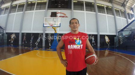 Pebasket asal Bali, I Made 'Lolik' Sudiadnyana saat berada di Sritex Arena, Solo, Selasa (01/09/20). - INDOSPORT