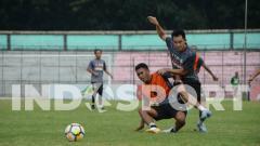 Indosport - Skuat klub Liga 2 PSMS Medan berlatih di Stadion Teladan, Medan, Selasa (1/9/20) petang.