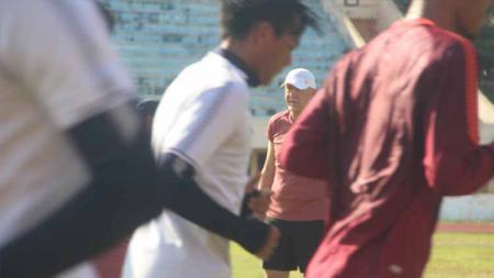 Dragan Djukanovic selaku pelatih kepala PSIS Semarang terus mematangkan taktik timnya jelang lanjutan kompetisi Liga 1 2020. - INDOSPORT