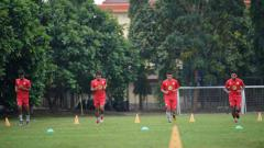 Indosport - Sesuai dengan ketetapan PSSI, Barito Putera tetap membayarkan gaji pemain sebesar 50 persen, walaupun hingga kini belum ada jadwal kompetisi Liga 1 2020.