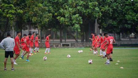 Barito Putera menjalani test fisik di Lapangan Terpadu Universitas Negeri Yogyakarta (UNY), Rabu (02/09/20). - INDOSPORT