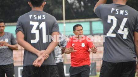 Klub Liga 2 2020, PSMS Medan, dikabarkan akan mendatangkan seorang pelatih baru. Namun bagaimana nasib pelatih PSMS saati ini, Philep Hansen? - INDOSPORT