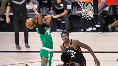 Peluang Toronto Raptors untuk bisa kembali mempertahankan gelar juara NBA dalam ancaman serius usai kalah dari di game kelima kontra Boston Celtics. - INDOSPORT