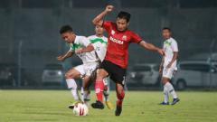 Indosport - Uji Coba Madura United vs PON Jatim.
