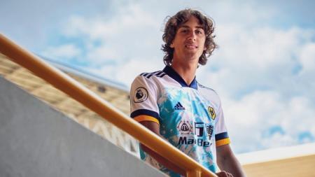 Wolverhampton Wanderers resmi memboyong Fabio Silva dengan banderol 40 juta euro (Rp700 miliar), dan menjadikannya remaja termahal ketujuh di dunia sepak bola. - INDOSPORT