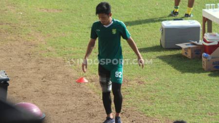 Bintang Persebaya Surabaya, Bayu Nugroho, mengungkapkan pendapatnya soal kickoff untuk musim baru pasca Liga 1 2020 resmi dihentikan oleh PSSI. - INDOSPORT