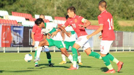 Timnas Indonesia U-19 di laga uji coba melawan Bulgaria. - INDOSPORT