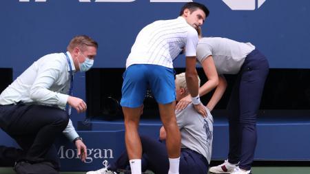 Insiden yang melibatkan petenis dunia, Novak Djokovic, pada ajang US Open 2020 pun mengingatkan kita pada insiden kelam di dunia tenis tahun 1983. - INDOSPORT