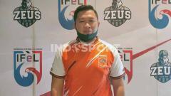 Indosport - Adhie QwaSG, pemain Borneo FC di Indonesian Football e-League (IFeL) 2020.